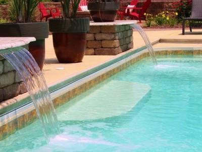 Thác nước nghệ thuật cho hồ bơi