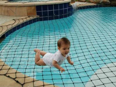 Bảo vệ hồ bơi bằng lưới an toàn