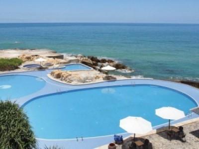 Những bể bơi đẹp nhất thế giới