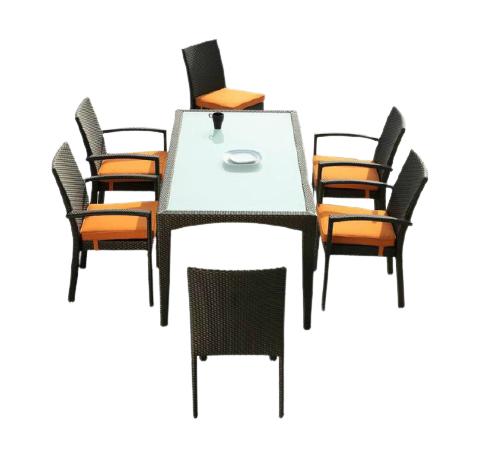 Mẫu bàn ghế ngoài trời được ưu chuộng hiện nay