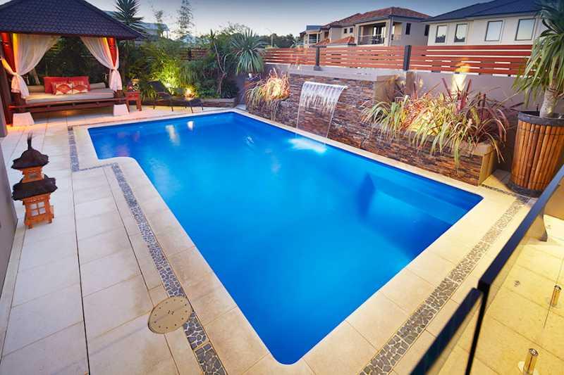 Diện tích xây dựng hồ bơi gia đình như thế nào là hợp lý, tiêu chuẩn thiết kế hồ bơi gia đình, hồ bơi gia đình đẹp, hồ bơi gia đình đảm bảo chất lượng, hồ bơi gia đình đạt chuẩn